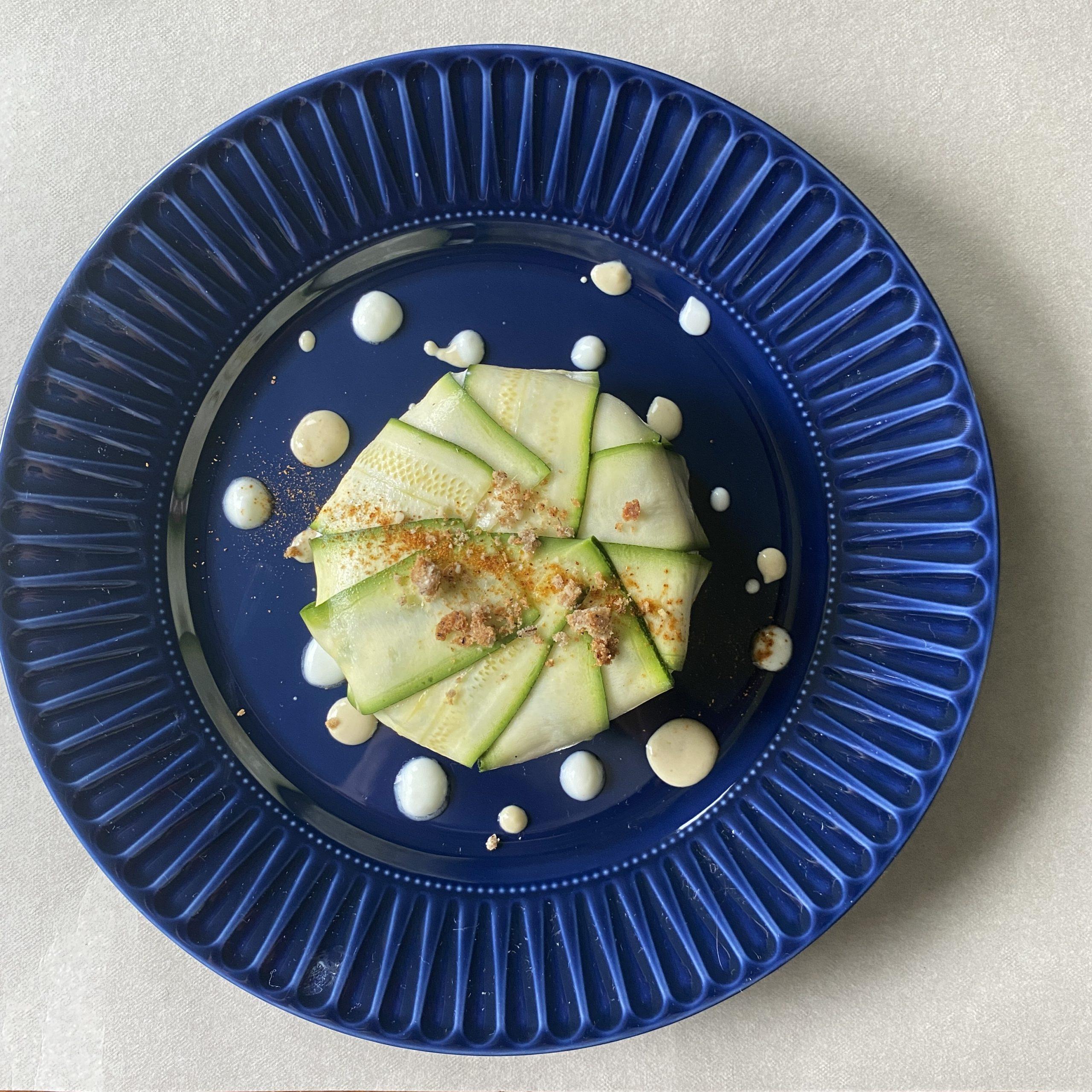 Tortino freddo di zucchine ricotta e salmone